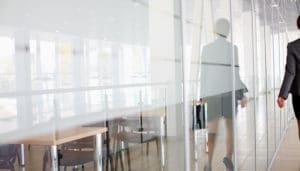 Få styr på reglerne vedr. løn i forbindelse med bortvisning eller fritstilling