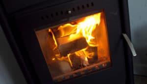 Kend reglerne hvis du køber bolig med brændeovn