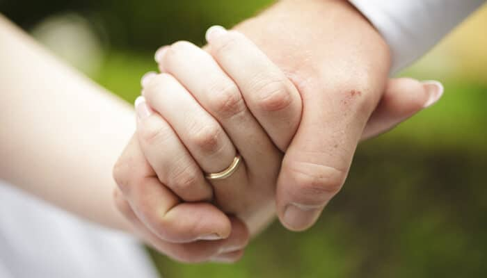 Behøver vi at blive gift, hvis vi laver et testamente?